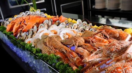 Lobster%20and%20Seafood%20buffet%20at%20Spices%20Cafe%20Concorde%20Hotel%20Singapore