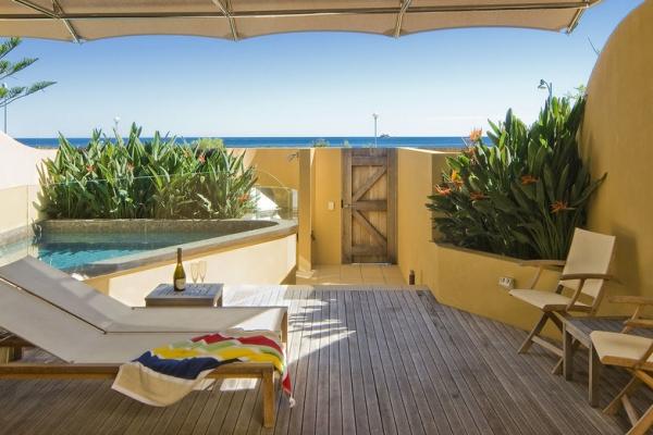 beach-suites-deck1674CA3D-4AC5-DC7A-94B6-558BE0D3E648.jpg