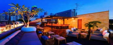 Asia, Singapore, Perfect rooftop dining The Screening Room cinema bar