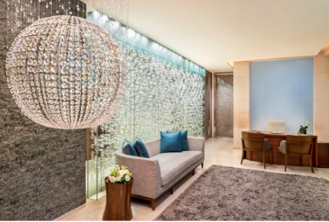 Asia, Singapore, Warm jade stone massage at Remede Spa in St Regis Hotel