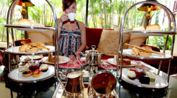 Asia, Singapore, The Regent Hotel, Dainty high tea in the city